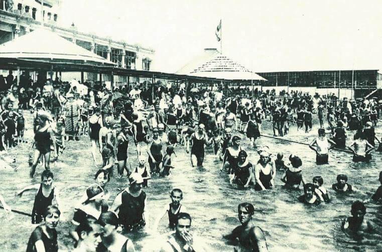 Beaches of Barcelona beginning 20th century